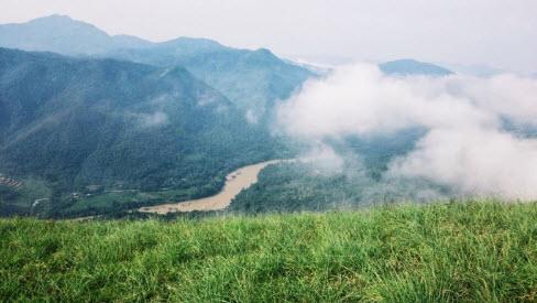 Vượt lối mòn check-in đỉnh Phiêng Mường - 1