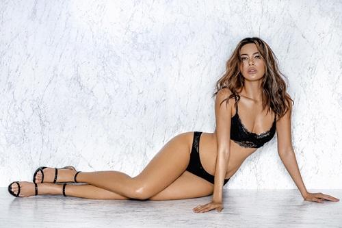 Mỹ nữ tự hào có thân hình đẹp và chuẩn nhất làng mẫu - 1