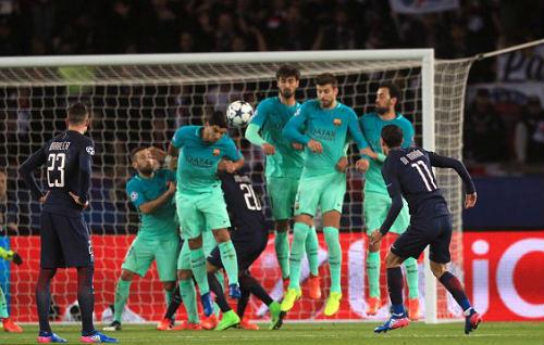 PSG - Barcelona: Siêu đẳng 4 cú đấm trời giáng - 1