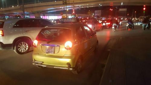 Hành động đẹp của tài xế taxi ở Hà Nội gây sốt mạng - 3