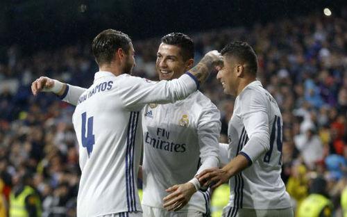 "Real Madrid - Napoli: Nỗi lo Ronaldo & ""bóng ma"" lịch sử - 1"