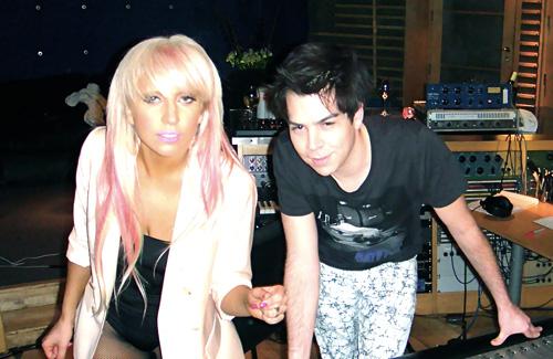 Hà Hồ sang Mỹ gặp nhà sản xuất của Lady Gaga - 2