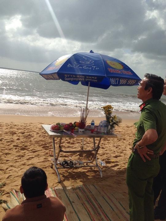 Tắm biển Quy Nhơn, 2 sinh viên mất tích - 1