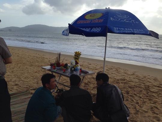 Tắm biển Quy Nhơn, 2 sinh viên mất tích - 2