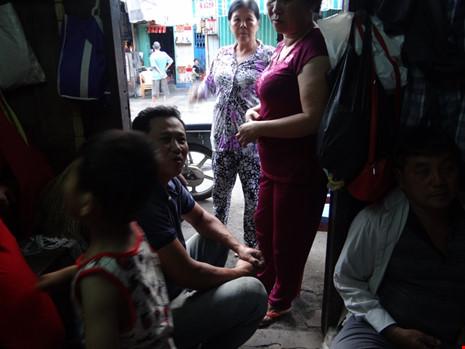 Cận cảnh nhà 15m2 xập xệ có 23 nhân khẩu ở Sài Gòn - 3