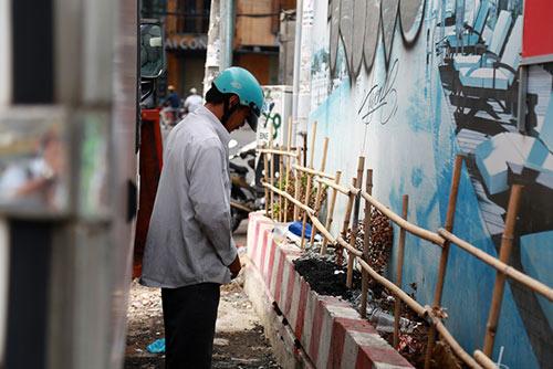 TP.HCM: Bị phạt vì tè bậy, tài xế nói mình là Việt kiều - 3
