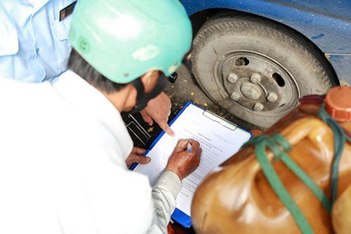 TP.HCM: Bị phạt vì tè bậy, tài xế nói mình là Việt kiều - 2