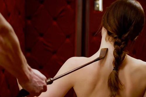 """Bất ngờ cảm giác của người đẹp khi đóng cảnh nóng suốt 7h trong """"50 sắc thái"""" - 3"""