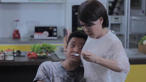 """Hari Won khóc liên tục 6 tiếng khi đóng """"49 ngày"""" phần 2 - 4"""