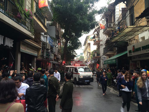 Cháy lớn ở phố cổ Hà Nội, một người tử vong - 3