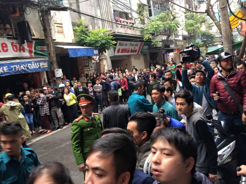 Cháy lớn ở phố cổ Hà Nội, một người tử vong - 4