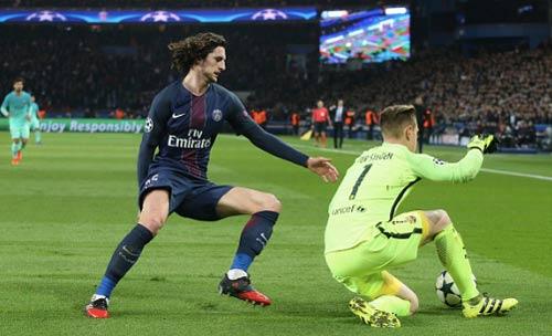 """Messi và hành trình tuyệt vọng đi tìm """"danh sư"""" - 2"""