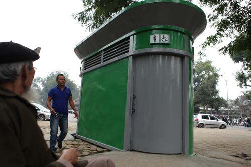 Tè bậy ngay gần nhà vệ sinh siêu sạch giữa Thủ đô - 2