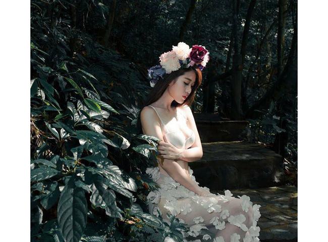 Người đẹp sở hữu hình thể hoàn hảo khiến các & nbsp;shoot hình đều hút mắt.