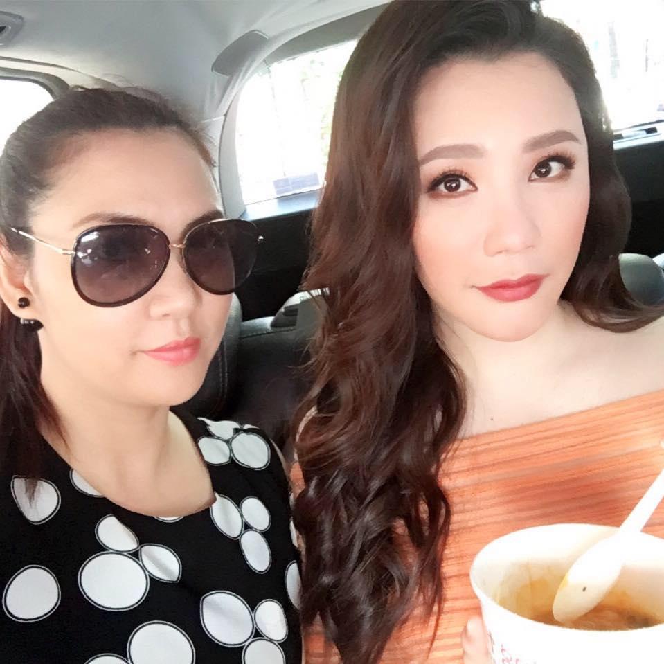 Chị gái xinh đẹp, đi khắp nơi của Hồ Quỳnh Hương - 1