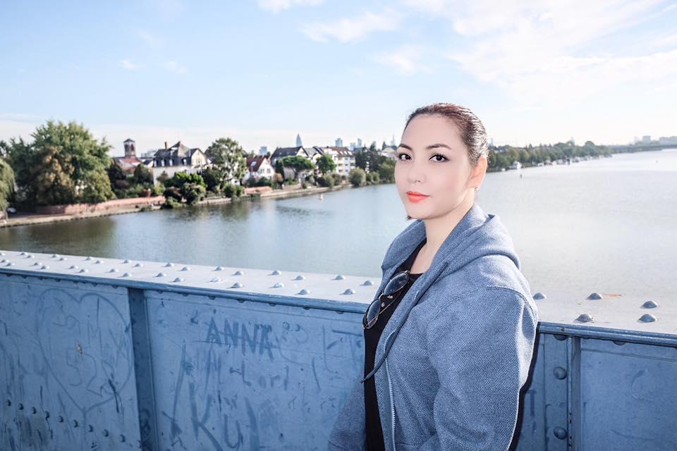 Chị gái xinh đẹp, đi khắp nơi của Hồ Quỳnh Hương - 6