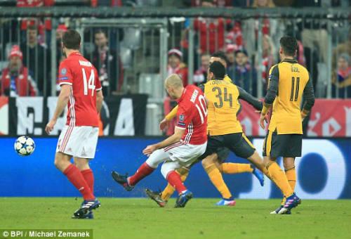"""Bayern Munich - Arsenal: """"Sấp mặt"""" sau giờ nghỉ - 1"""