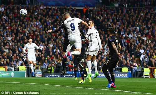 Real Madrid - Napoli: Tấn công vũ bão, bàn thắng như mơ - 1