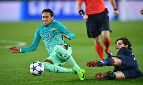 """Khoảng tối của """"thiên tài"""": 5 trận tệ nhất của Messi - 2"""