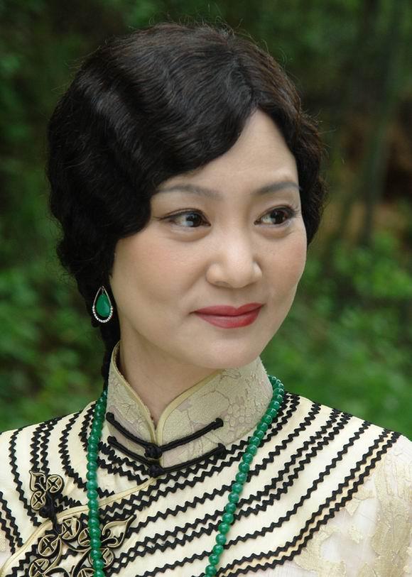 """""""Người vợ câm"""" Lưu Tuyết Hoa quá mặn mà ở tuổi U60 - 7"""