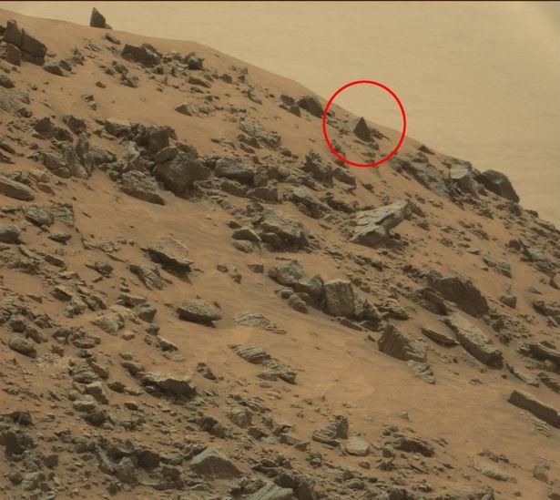 Rò rỉ tài liệu của CIA cho thấy kim tự tháp trên sao Hỏa? - 1