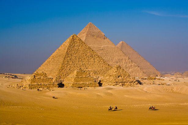 Rò rỉ tài liệu của CIA cho thấy kim tự tháp trên sao Hỏa? - 3
