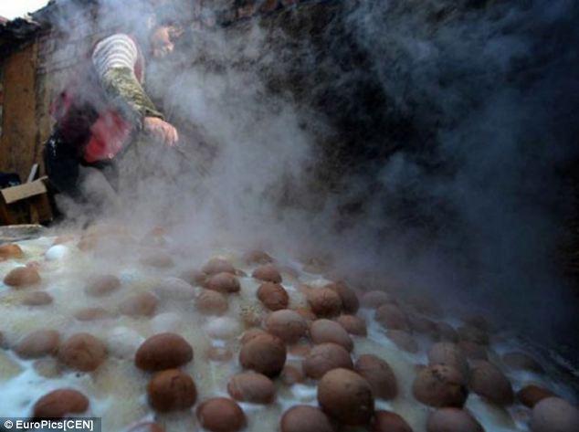 Trứng luộc nước tiểu – đặc sản kinh dị của Trung Quốc - 4