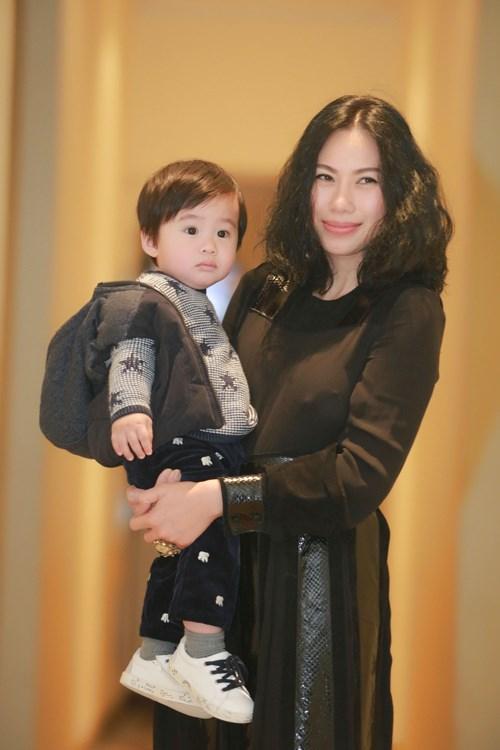 Nhan sắc người vợ bí mật của ca sĩ Tùng Dương - 2