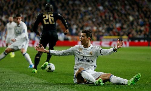 """100 bàn cúp C1: Messi """"đứt gánh"""", Ronaldo """"tịt ngòi"""" - 2"""