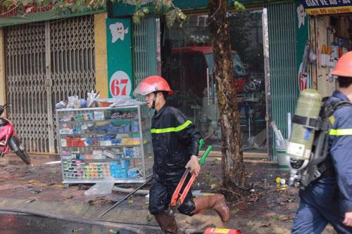 Cháy rụi chuồng cọp 3 tầng giữa Thủ đô, cả khu phố náo loạn - 3