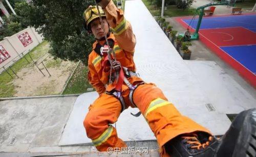 """Chàng lính cứu hỏa nổi tiếng nhờ """"tô mì khổng lồ"""" giờ ra sao? - 3"""