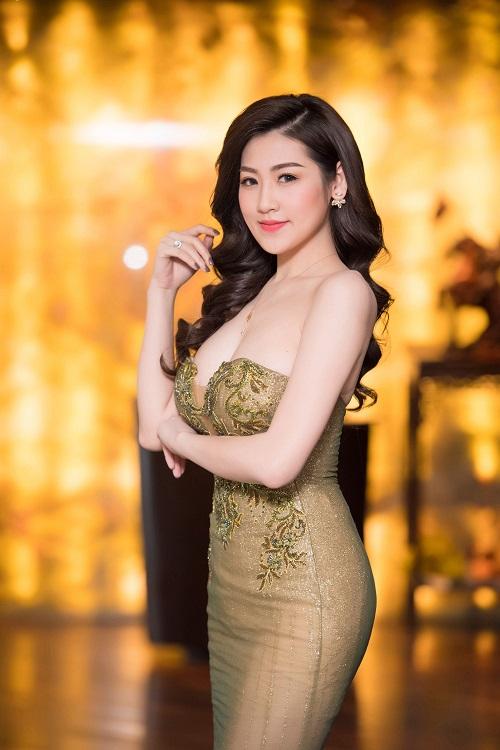 """Á hậu Huyền My, Tú Anh diện đầm trễ nải """"đốt mắt"""" fan - 7"""
