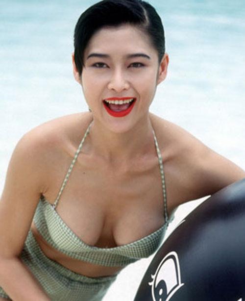 4 hoa - á hậu Hồng Kông gây chấn động vì đóng phim 18+ - 1