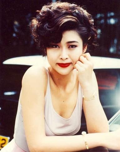 Hoa - á hậu Hồng Kông gây chấn động vì đóng phim 18+ - 2