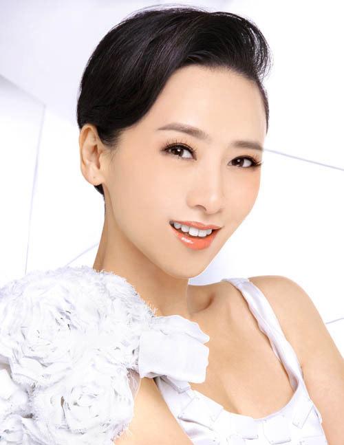 Hoa - á hậu Hồng Kông gây chấn động vì đóng phim 18+ - 7