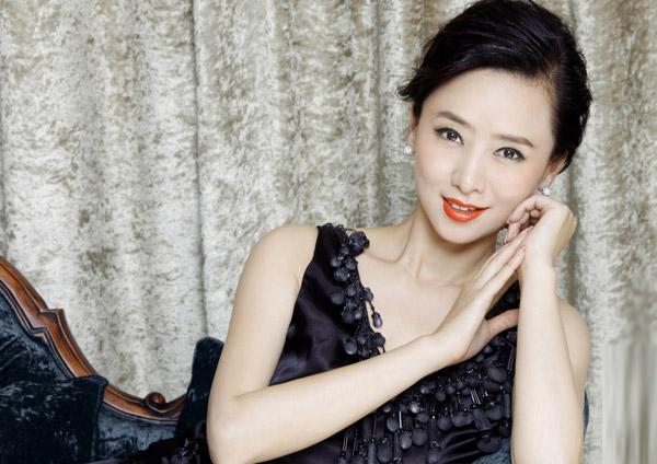 Hoa - á hậu Hồng Kông gây chấn động vì đóng phim 18+ - 8