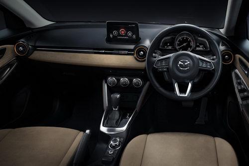 Mazda2 2017 giá 345 triệu đồng đối đầu Toyota Vios - 2