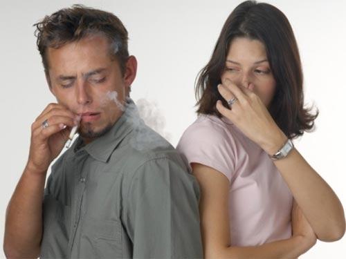 Lời thú tội từ một người vợ có chồng nghiện thuốc lá - 1