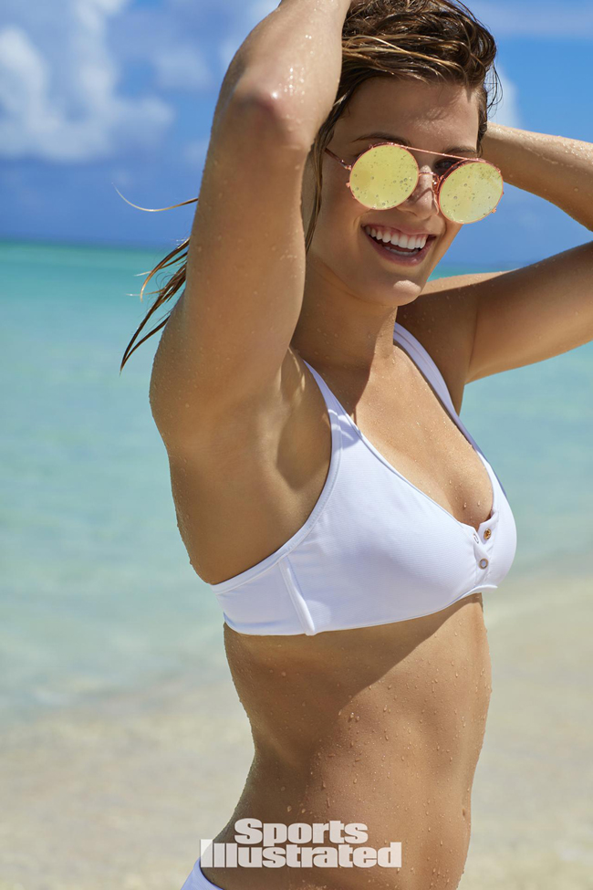 Tay vợt xinh đẹp & nbsp;Eugenie Bouchard vừa thực hiện bộ ảnh bikini tuyệt đẹp cùng với tạp chí & nbsp;Sports Illustrated.