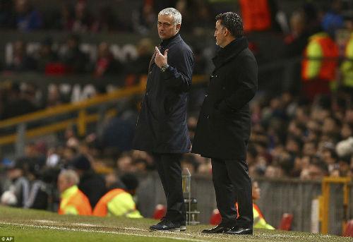 Góc chiến thuật MU – St.Etienne: Mourinho phản đòn tuyệt diệu - 2