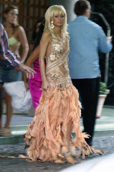 """Paris Hilton có lúc cũng diện """"không xứng tầm"""" - 4"""