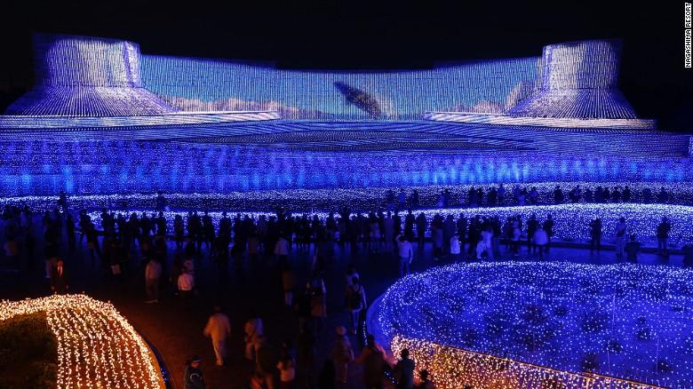 Choáng ngợp trước vẻ huyền ảo của lễ hội ánh sáng ở Nhật - 1