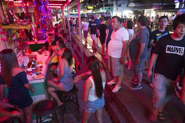 Thành phố có số lượng gái mại dâm lớn nhất thế giới - 2