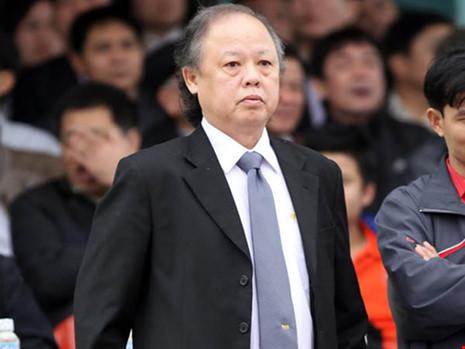 Giám sát Đoàn Phú Tấn: 'Tôi không đôi co với Công Vinh' - 1