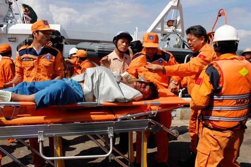 Tàu cá nổ trên biển Vũng Tàu: 9 người trong gia đình gặp nạn - 2