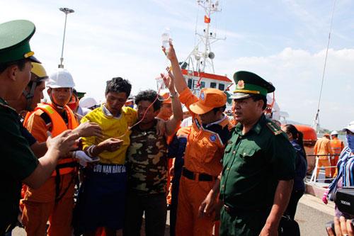 Tàu cá nổ trên biển Vũng Tàu: 9 người trong gia đình gặp nạn - 4