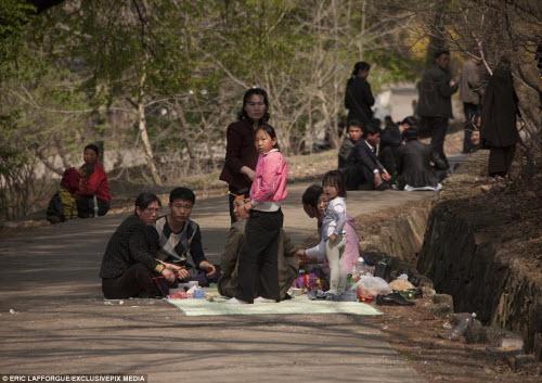 Ảnh: Người dân Triều Tiên làm gì vào ngày nghỉ? - 14