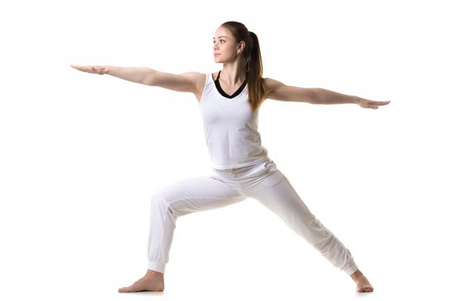 """7 động tác yoga giúp """"núi đôi"""" nuột nà, hấp dẫn - 3"""