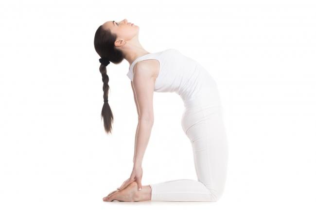 """7 động tác yoga giúp """"núi đôi"""" nuột nà, hấp dẫn - 7"""