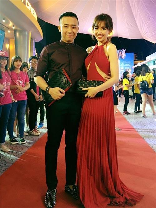 Mặc váy khoe chân ngực đẹp như Hari Won không hề khó! - 2